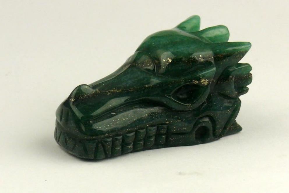 Aventurijn, groen edelsteen drakenschedel