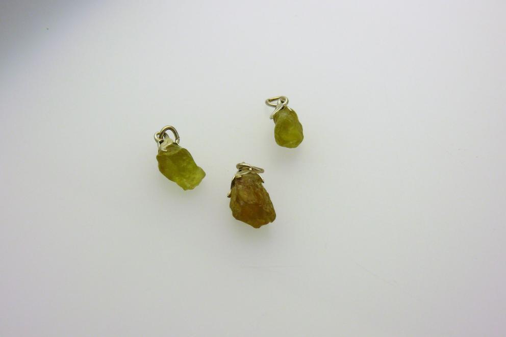 Apatiet hangersteen, groen-geel