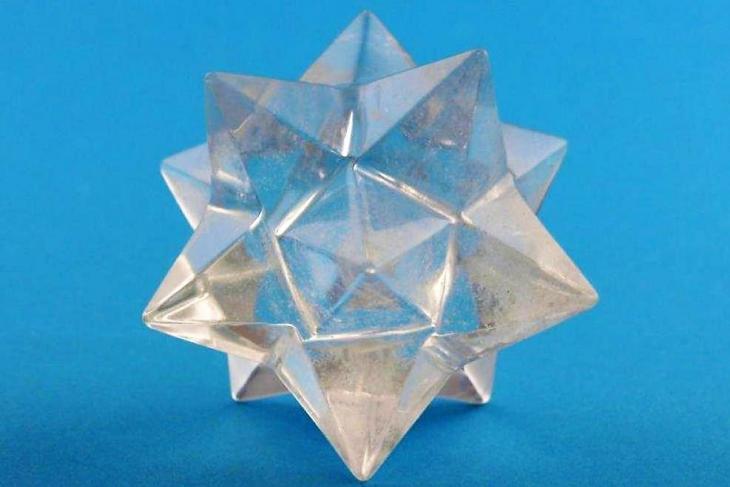 Nieuw binnen: Christusbewustzijn ster dodecaëder van bergkristal