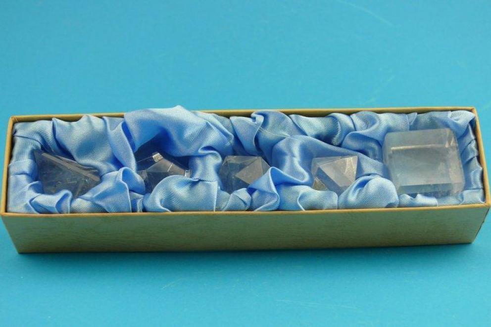 Bergkristal, edelstenen - de 5 geometrische vormen of platonische lichamen (L)