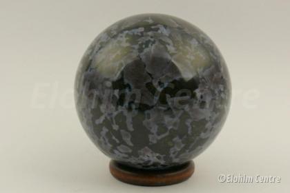 Merliniet edelsteen bol, incl. houten ring