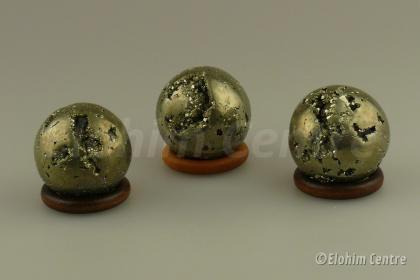 Pyriet edelsteen bol, incl. houten ring